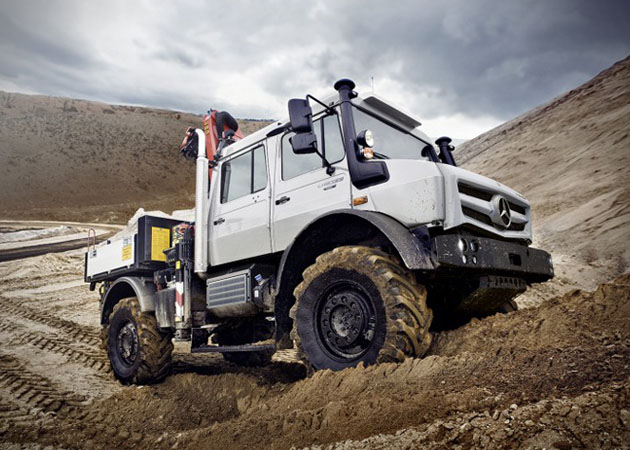 2014-Mercedes-Benz-Unimog-1