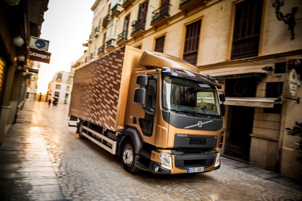 volvo-trucks-launches-new-fl-and-fe-video-photo-gallery_5