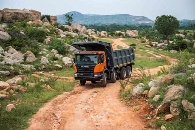 P 410 tipper truck