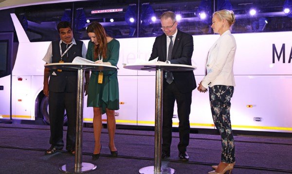 The agreement between Swedfund and Scania was signed at today's inauguration of Scania's bus manufacturing facility in India by the companies' chief executives Anna Ryott and Martin Lundstedt in the prescene of Sweden's Minister of infrastructure , Anna Johansson and Shri. Nitin Gadkari, Honourable Minister of Road Transport and Highways of India