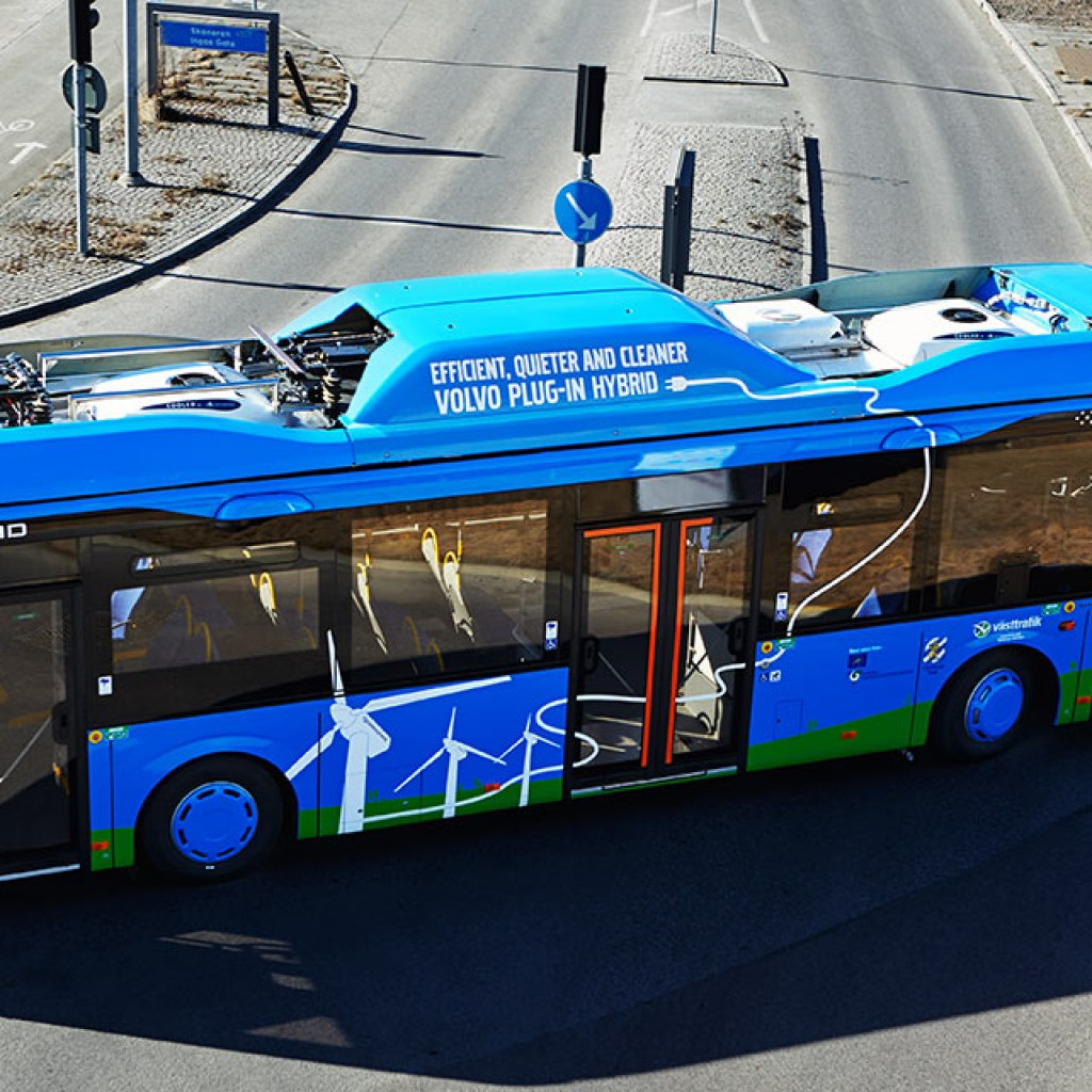 Volvo-Plug-in-hybrid_bus_2013