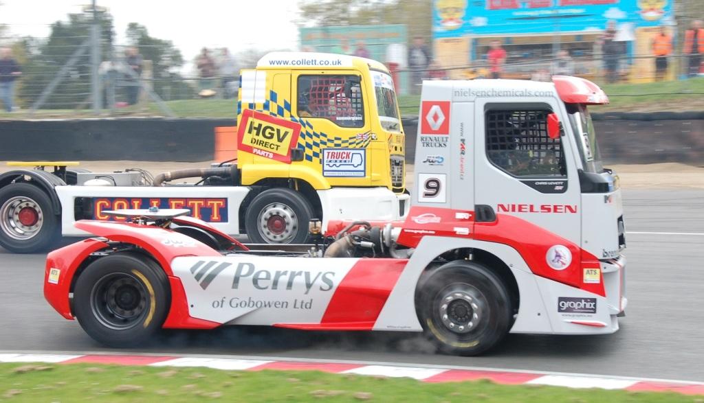 truck racing2