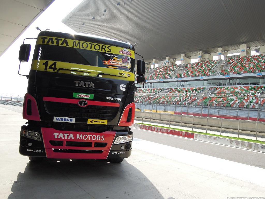truck racing3