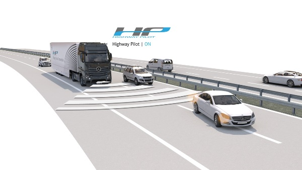 mercedes-benz-actros-mit-highway-pilot-auf-der-autobahn-highway-pilot-on-1280x720