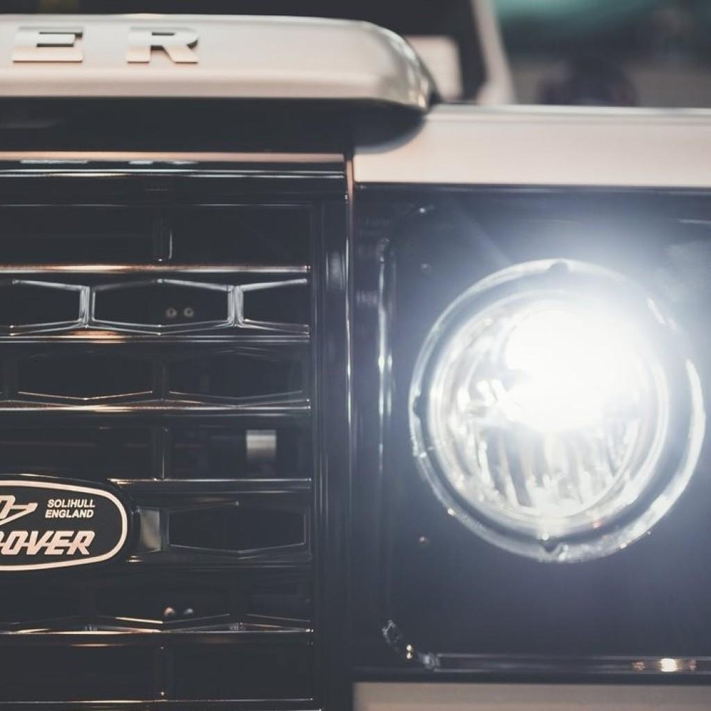 Land_Rover-Defender_1