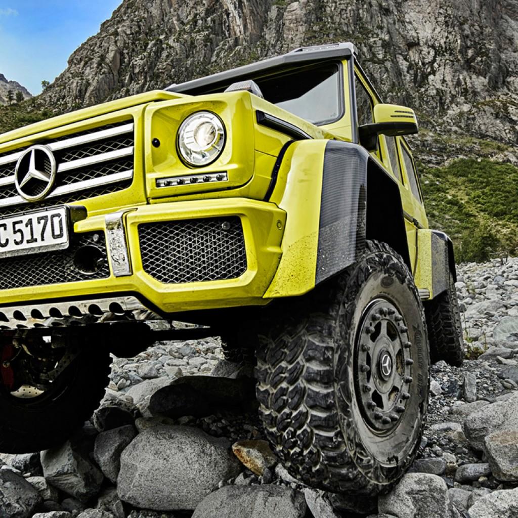 Mercedes-Benz-G-500-4x4-1