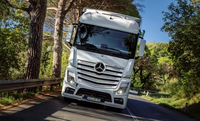 Mercedes-Benz Trucks - Driving Experience Slovenia 2015