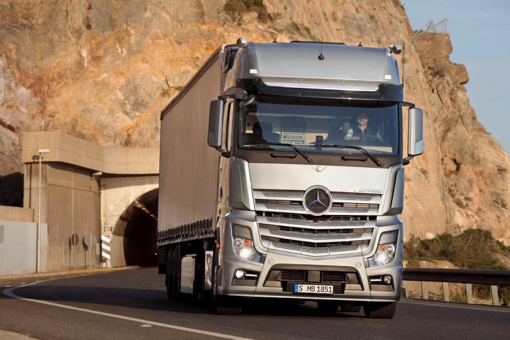 mercedes-benz-truck1