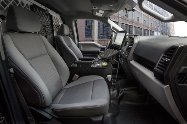 2016-Ford-F-150-Special-Service-Vehicle-package-interior