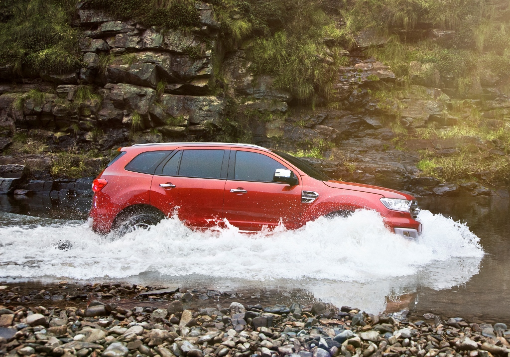 New Ford Everest_Water