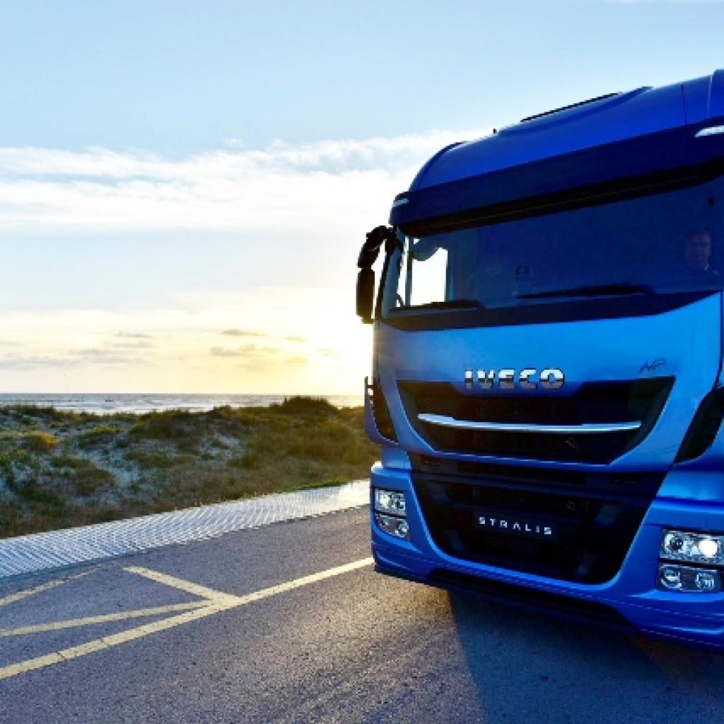 Iveco-LNG-trucks1