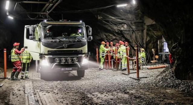 Volvo-mine-truck