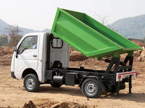04-1475567488-tata-motors-delivers-51-ace-tippers-05