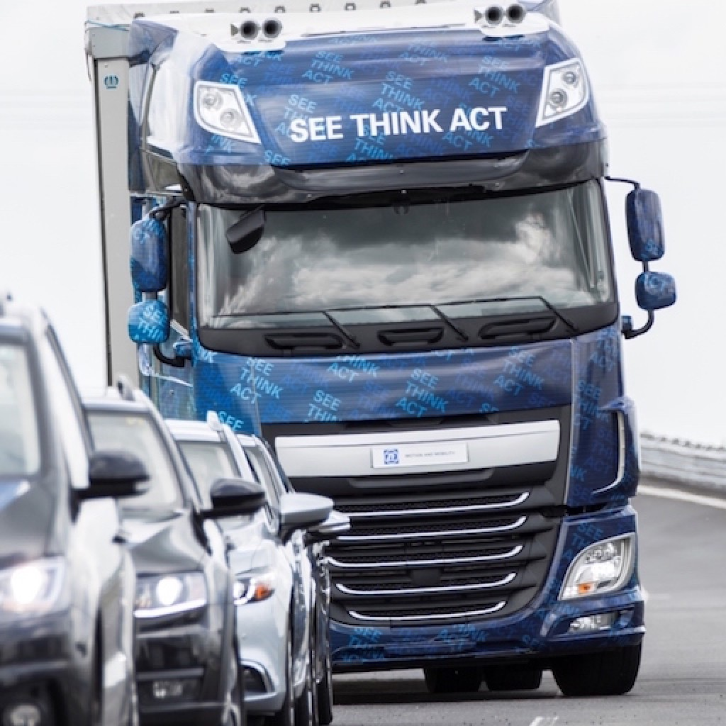 ZF, Innovations-Truck, EMA, Evasive Maneuver Assist