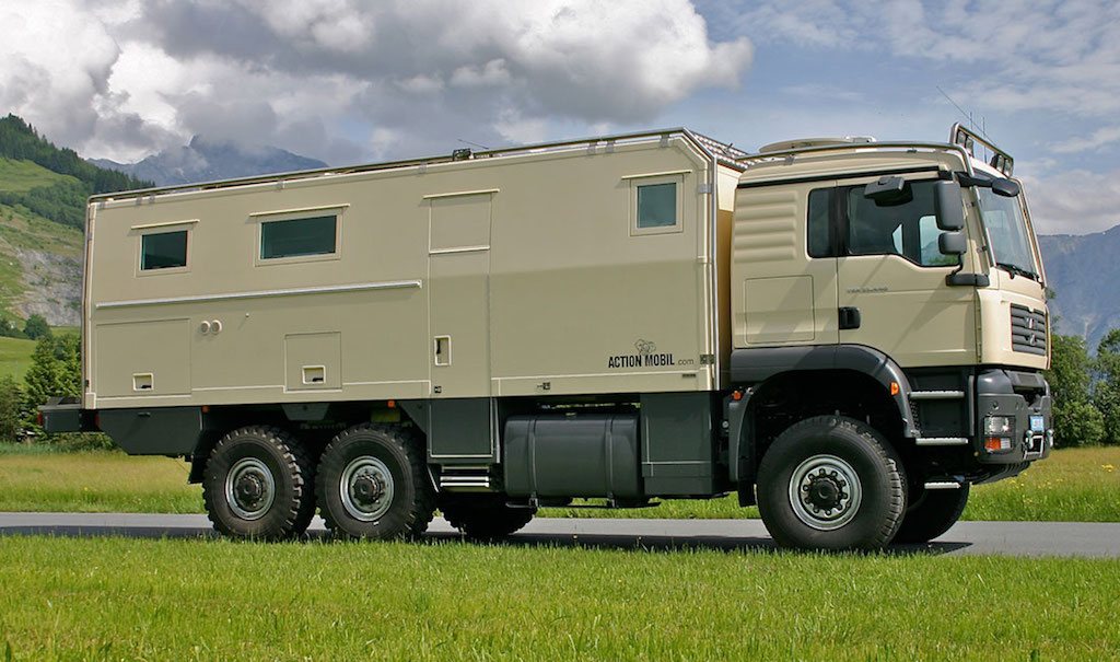 action mobil off road rv the ultimate lifestyle vehicle. Black Bedroom Furniture Sets. Home Design Ideas
