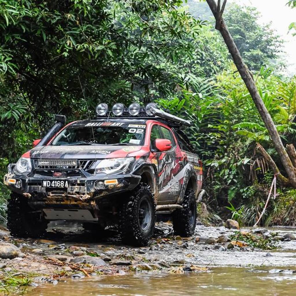 Mitsubishi borneo safari10