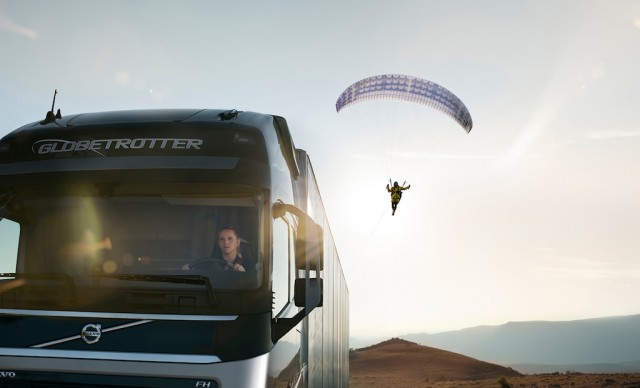 volvo_passenger flying