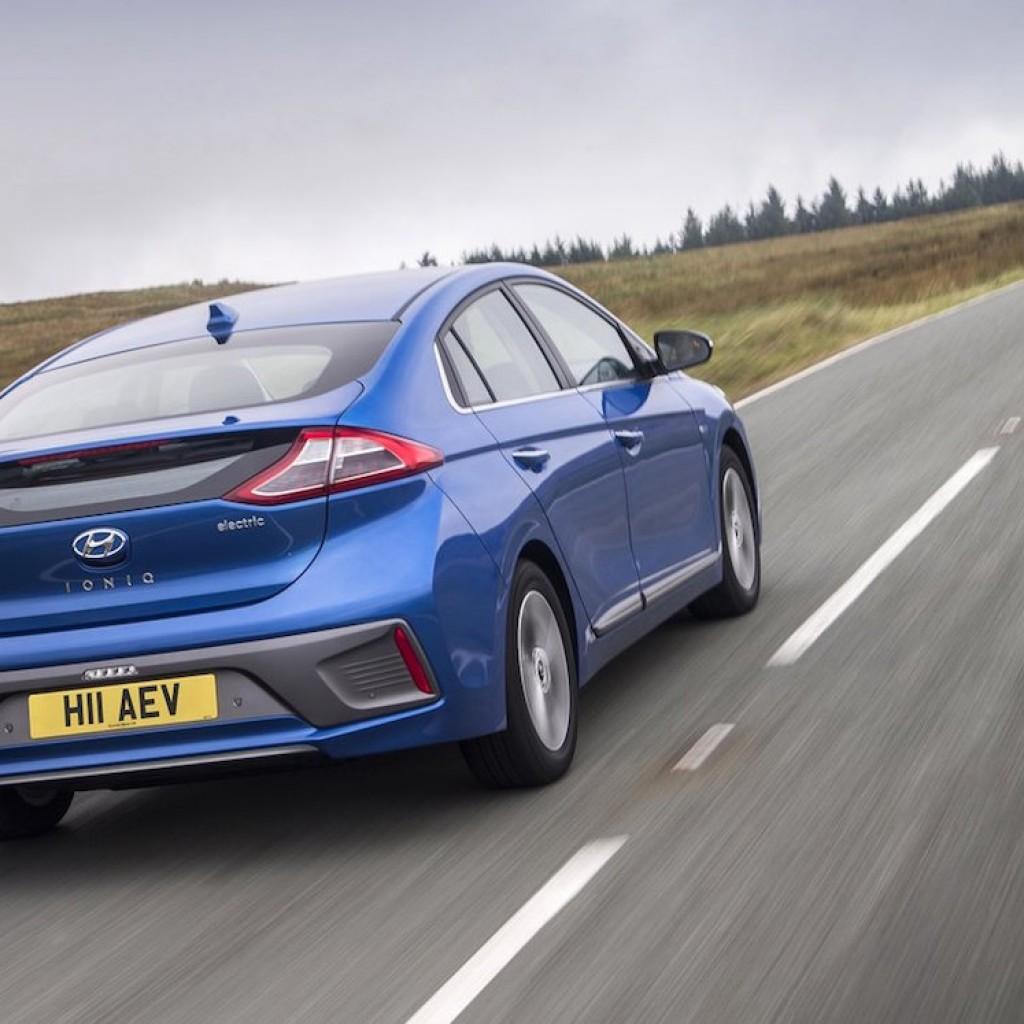 Hyundai-Ioniq_4
