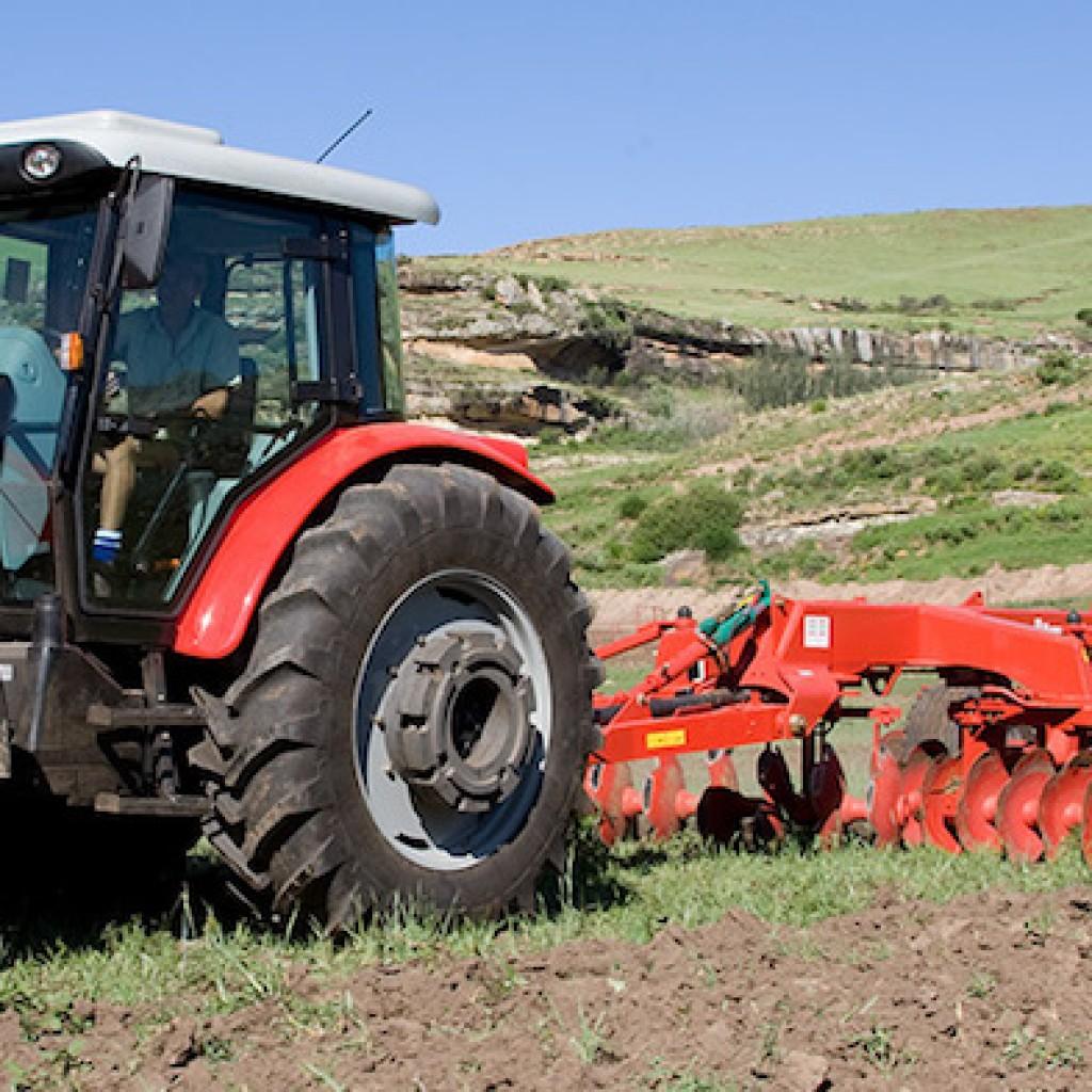 Massey Ferguson MF 400 Xtra Tractors