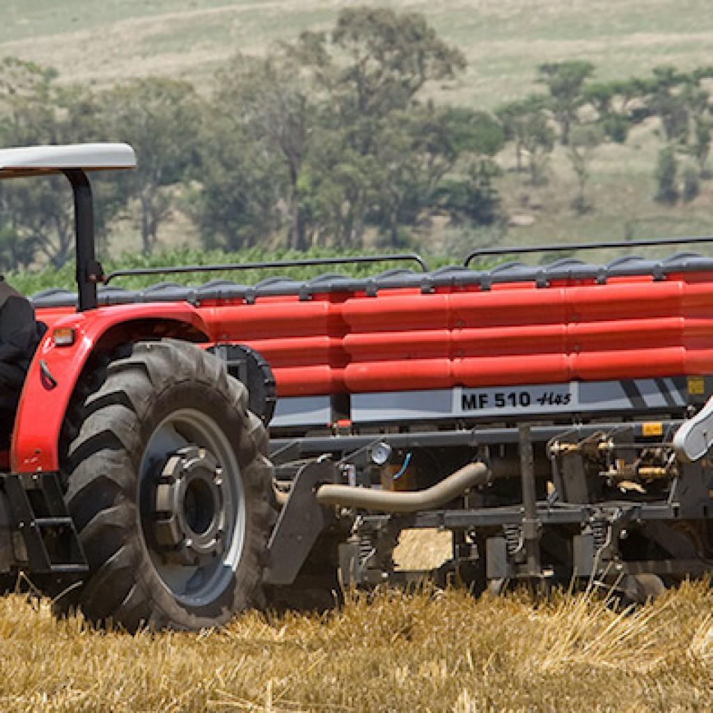 Massey Ferguson MF 400 Xtra Tractors1