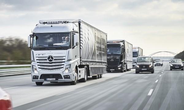 mercedes-benz-actros-autonomous-truck_100551317_h