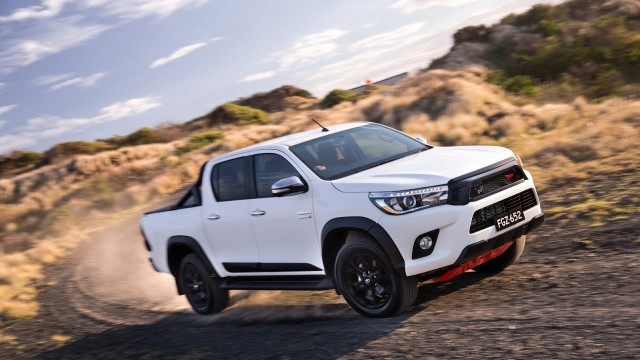 toyota hilux TRD2