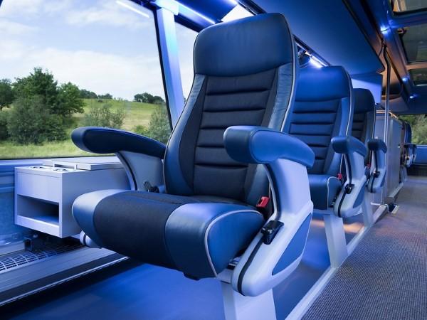P_Bus_IOD_Skyliner_FCPorto-02_width_740