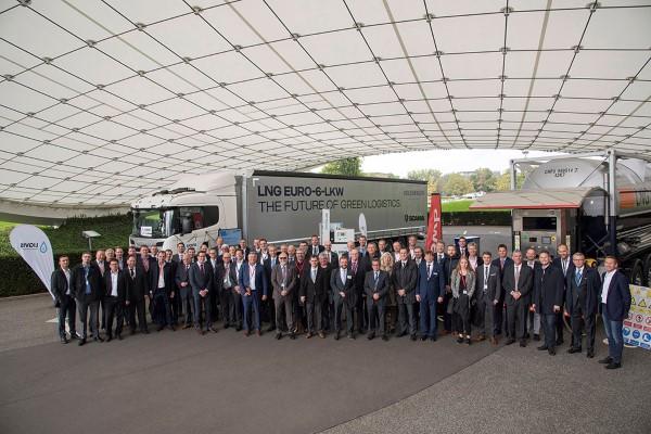Sauberer und leiser: Volkswagen Konzernlogistik und Scania machen sich für LNG-Lkw stark