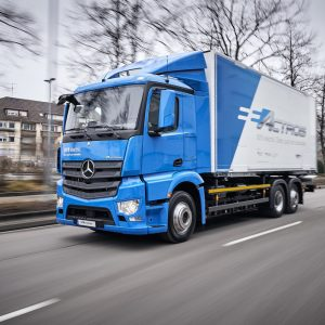 First Batch of Mercedes-Benz eActros to Roll Out to Customers This Year