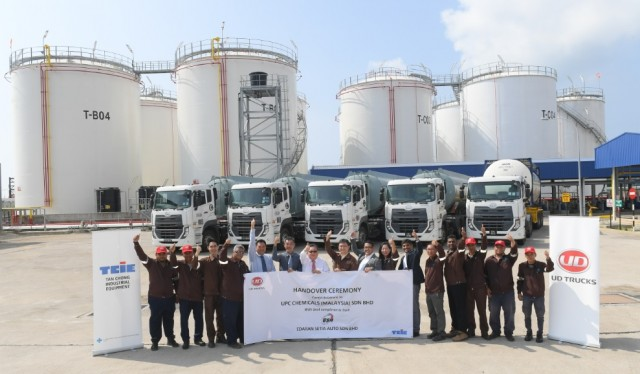 UD Trucks Handover to UPC Chemicals_02