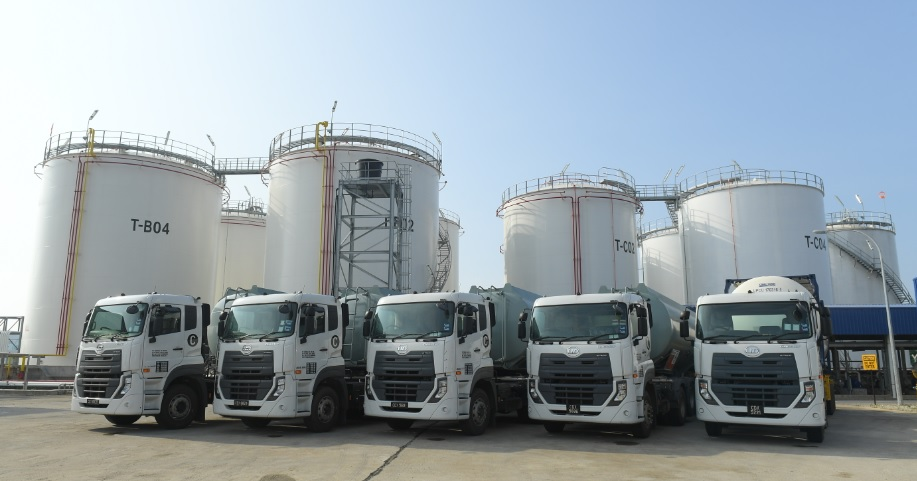 UD Trucks Handover to UPC Chemicals_03