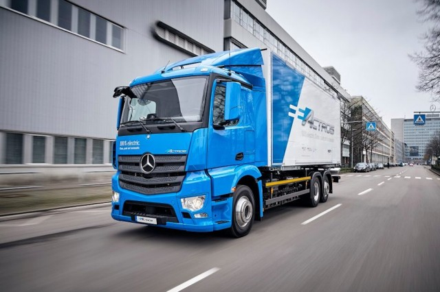 Mercedes-Benz e-Actros-1