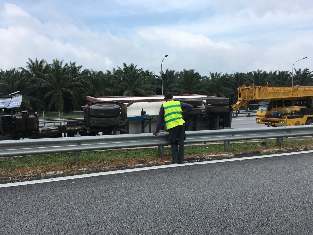 highway truck overturns