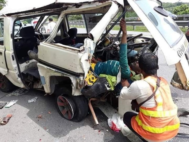 accident on KL-Kuantan highway-3