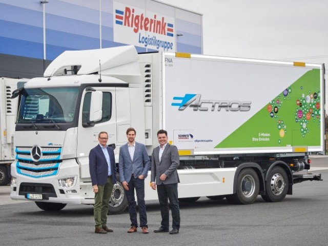 Quiet-and-clean-deliveries-in-the-Rhine-Main-region-Rigterink-Logistikgruppe-tests-the-fully-electric-eActros