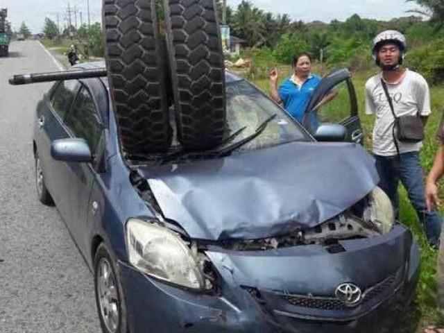 Vios Sibu Tyre Accident__8435