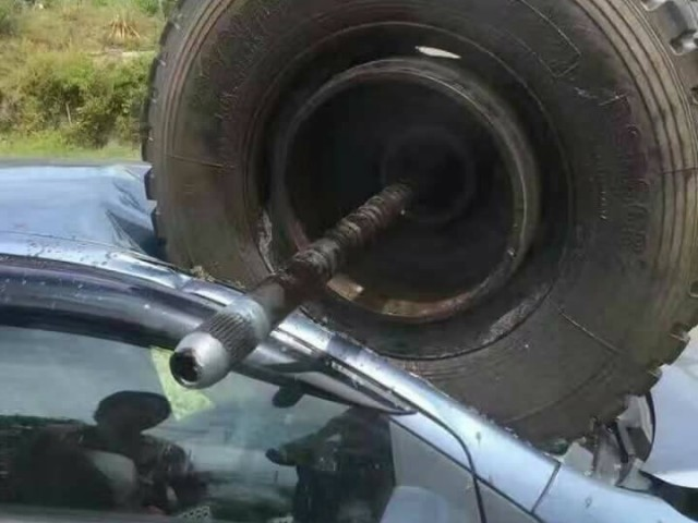 Vios Sibu Tyre Accident__8436