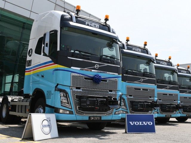Volvo Trucks Aman Logistik__7895