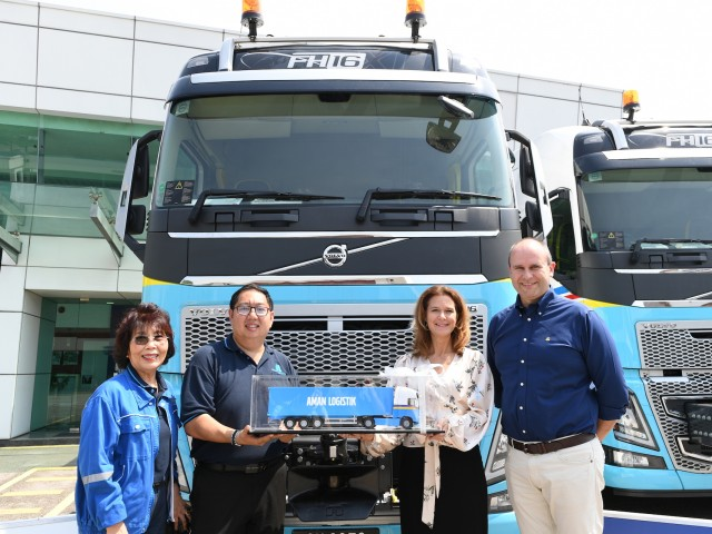 Volvo Trucks Aman Logistik__7982