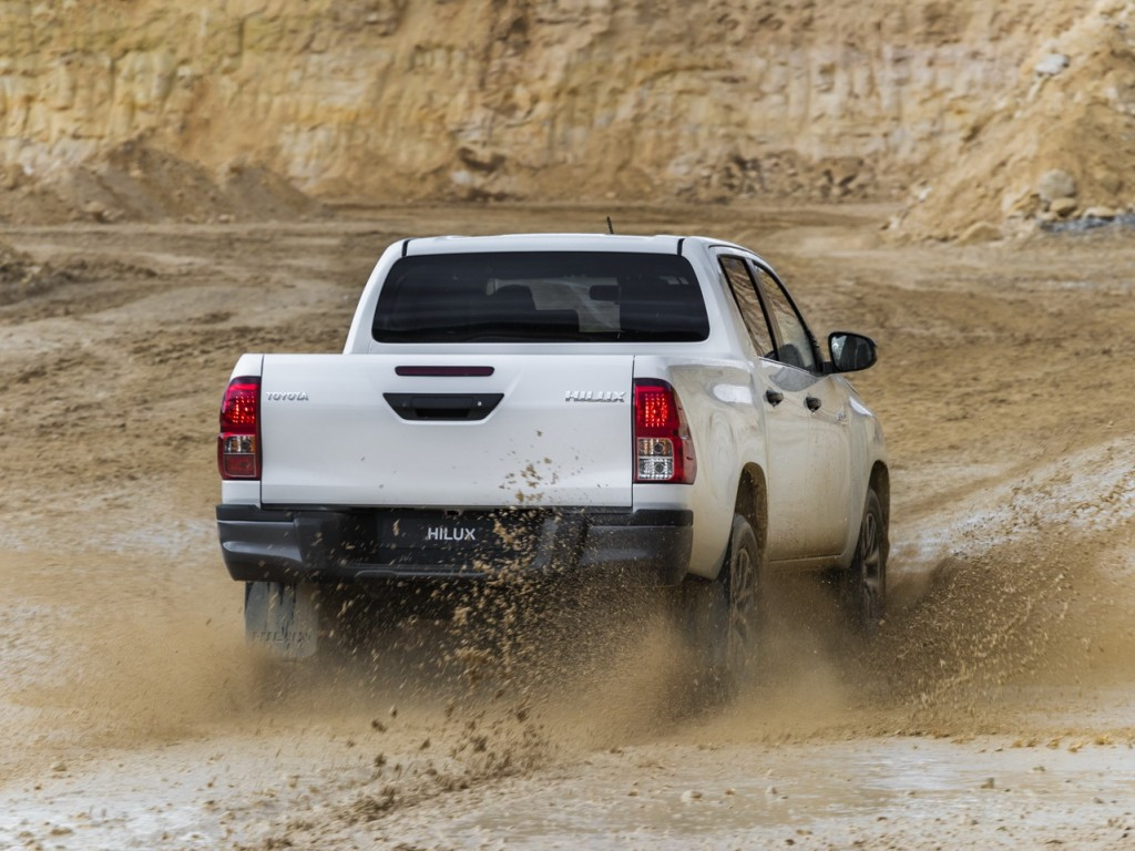 Toyota-Hilux-Special-Edition_12