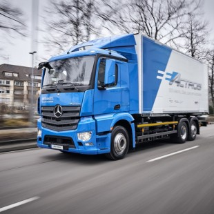 First Batch of Mercedes-Benz e-Actros to Roll Out to Customers This Year