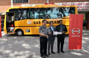 Hino Malaysia and The Community Chest Donate New Bus To SJK (T) Kangar