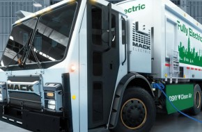 BEV battery-electric refuse truck from MACK Trucks