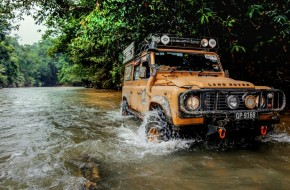 Paul's Defender takes on the Sarawak 4X4 Travel and Adventure Club (SAKTA) run