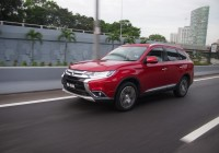 Outlander is a 7-seat SUV with legendary 4×4 abilities