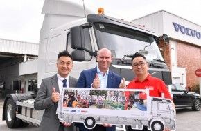 Volvo Trucks Donates A 4×2 Rigid Truck To Kechara Soup Kitchen