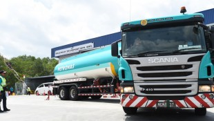 SCANIA'S APPROACH TO SAFETY AND SUSTAINABILITY SHOWCASED AT PETRONAS FM DRIVE 2018
