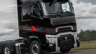 RENAULT TRUCKS LAUNCHES SPECIAL SERIES HIGH EDITION