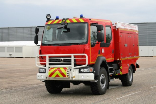 renault_trucks_d_14_280ch_ccr_pompier_2