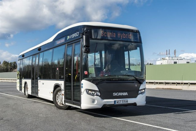 scania-delivers-51-hybrid-buses-to-madrid